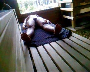 Damen der ältere sauna in nackt Nackte Frauen