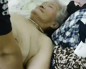 Geil nackt oma Oma Geil
