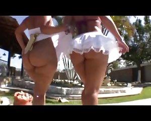 Haben Sex nackt Mädchen außerhalb Draußen img.rarediseaseday.org