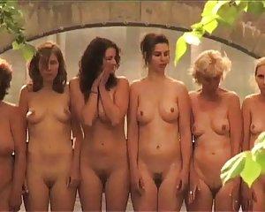 Mädchen junge schöne nackte Schöne Dünne
