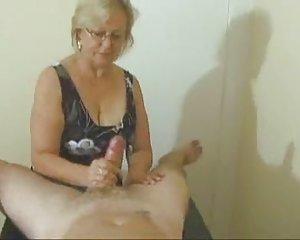 Frauen nackt grauhaarige German Tubes
